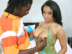 Busty black babe gets deep boneed in the sack