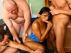 Black porn gang bang video. Porn star name - Carmen Hayes