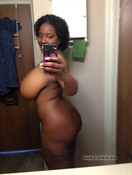 black granny nude selfie